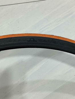 700X28C(28-622) TIRE TWO HIGH QUALITY AND BICYCLE TIRES STREET. .