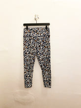 Load image into Gallery viewer, Sage Collectvie Leggings Sz Large