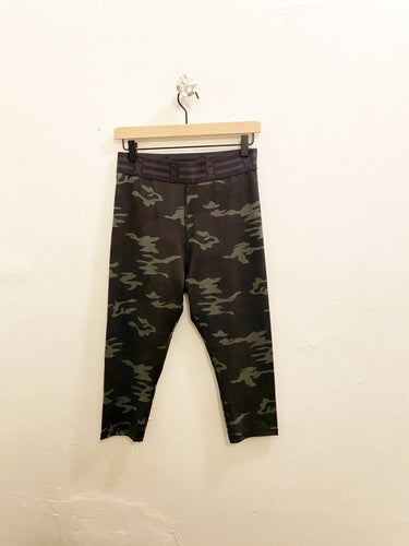 Good American Capris Size 4 (L-XL)