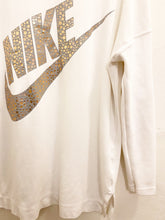Load image into Gallery viewer, Nike Sweater Sz Medium