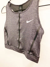 Load image into Gallery viewer, Nike Crop Sz Medium