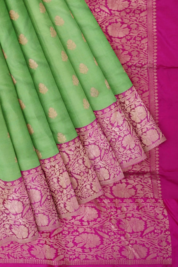 Green banarasi with pink border