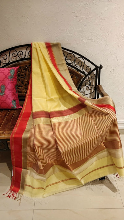 Cream maheshwari with contrast red border