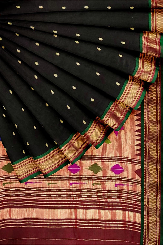 Black rich pallu paithani