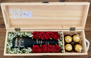 Champagne Hamper Box - Red