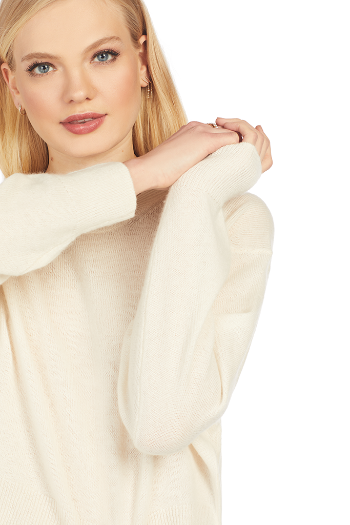 Tolbo Sweater - Sand