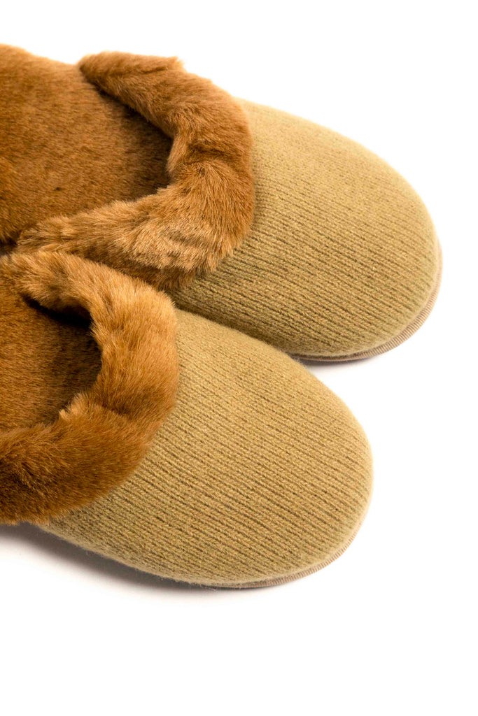 Milk Slippers (Camel)