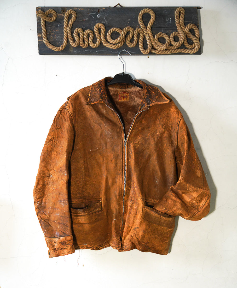 Distressed 40-50s leather jacket from America