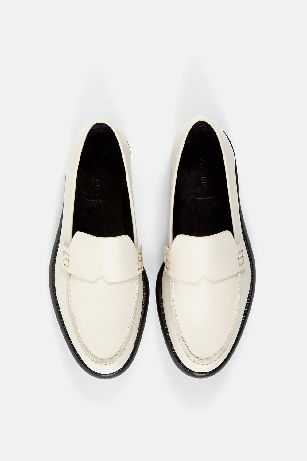 Minimalist Loafer Off White Calf.