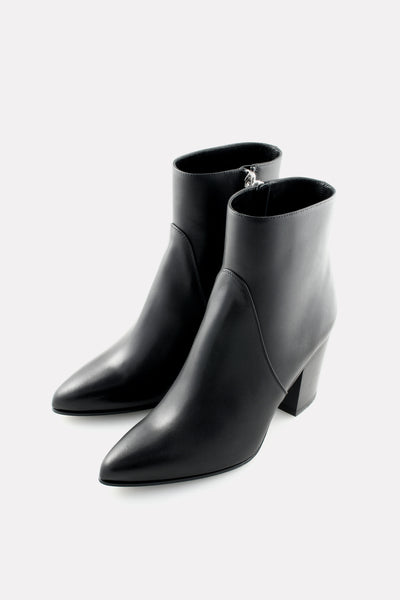 Point Toe Boot Black Calf.