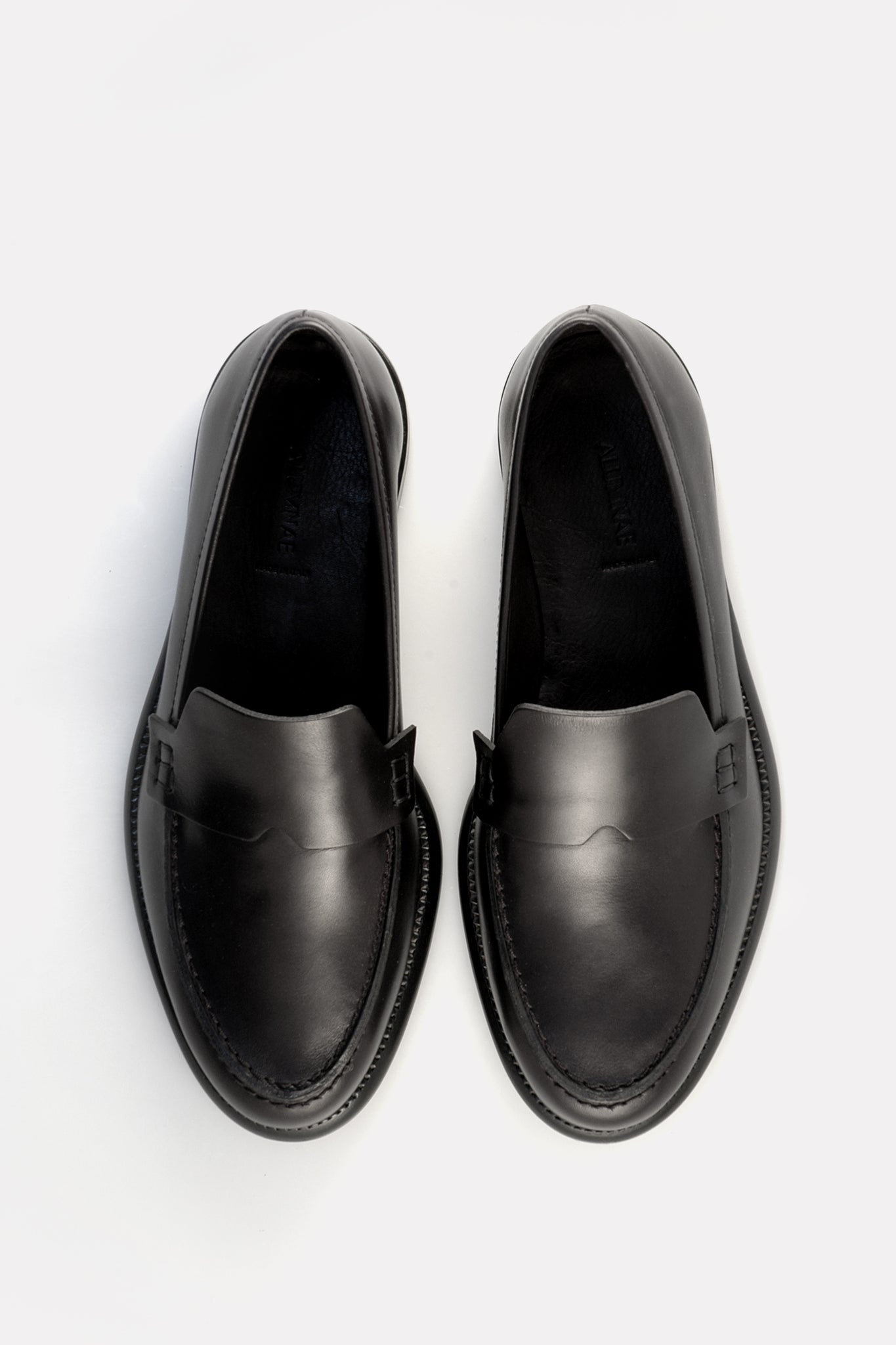 Minimalist Loafer Black Calf.