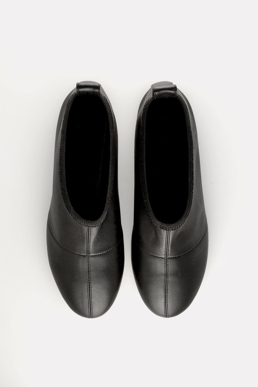 Soft Round Toe Flat Black Nappa.