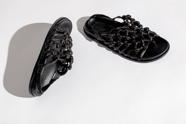 Knotted Sandal on Footbed Black Nappa.