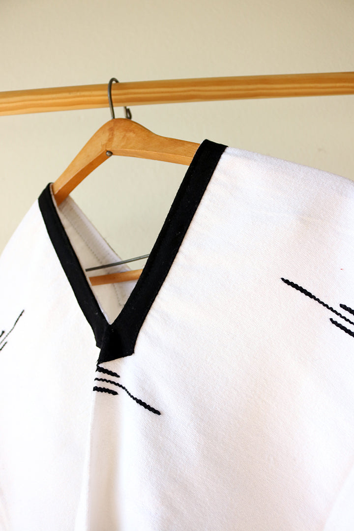 Black on White Contrasting Poncho // Handwoven
