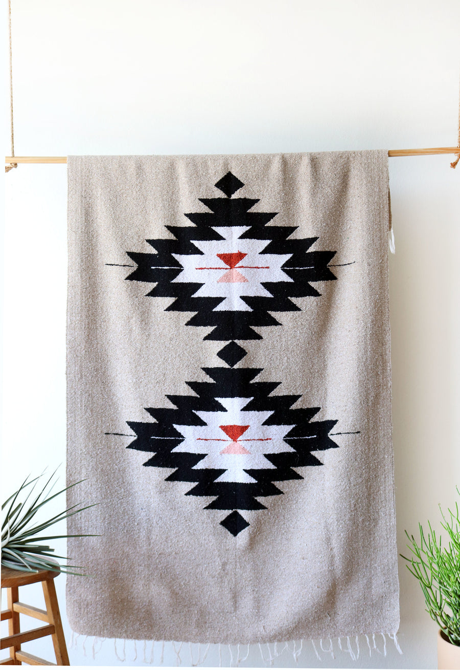 Dos Diamantes (Natural) // Handwoven Blanket