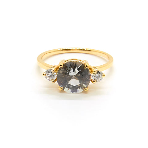 Precious Trio Ring | Sapphire Ring & Diamonds