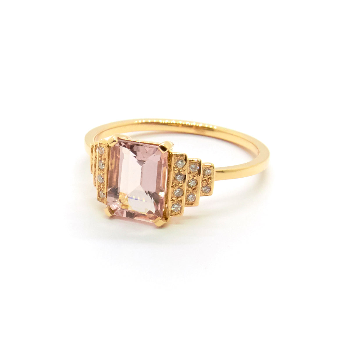 Maya Ring with Morganite and White Diamonds