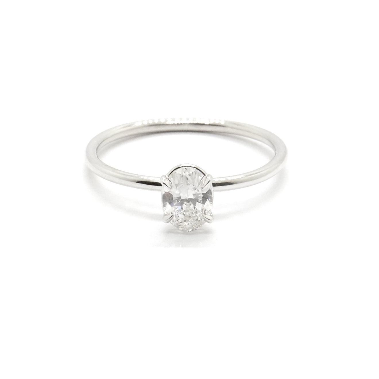 Oval Signature Solitaire | 0.5 carat Diamond