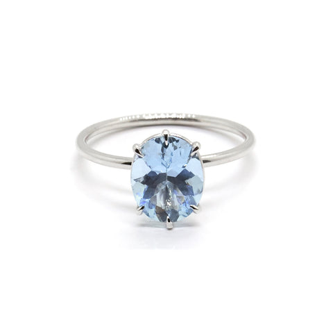 Oval Aquamarine Solitaire