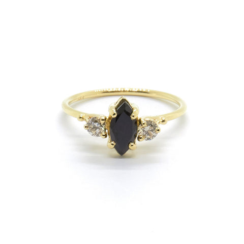 Hetti with Black Spinel