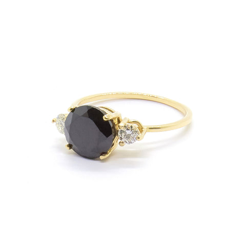 Precious Trio Ring | Black Spinel and Diamonds