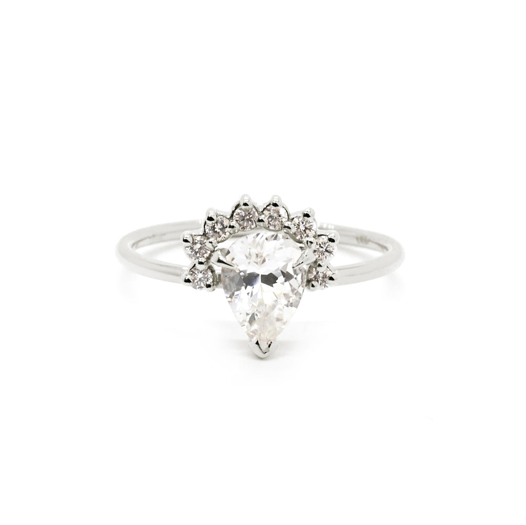 Rose Ring | White Sapphire