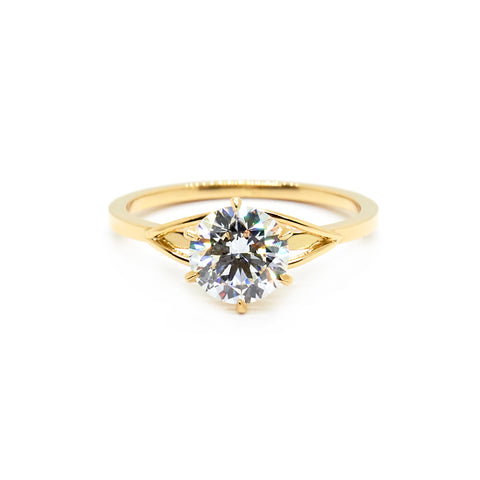 Sweeping Setting Solitaire | Bespoke 940