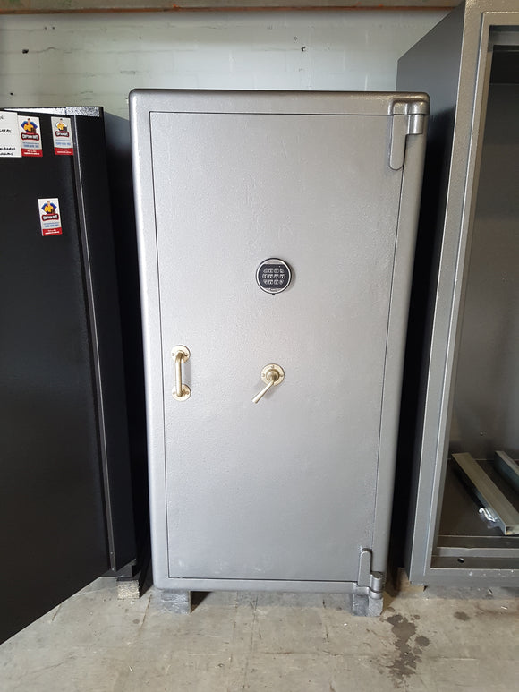 Refurbished Chubb 14 Gun Safe
