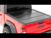 Load image into Gallery viewer, Ford Low Profile Hard Tri-Fold Tonneau Cover (17-20 SUPER DUTY | 6.5' Bed)