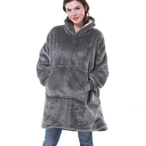 """DOODY"" Warme Decke & flauschiger XXL Hoodie - GALAXY of HOME"