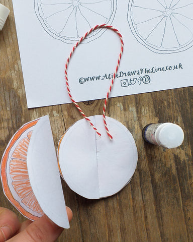 Free Christmas decoration idea by Alice Draws the Line, orange slices bauble