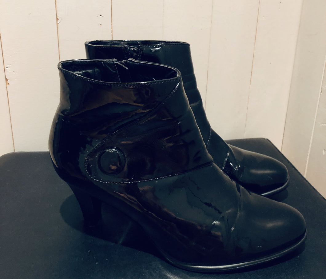 TENDER TOOTSIES- Bottillons aspect cuir verni noir - boutique Vêtu