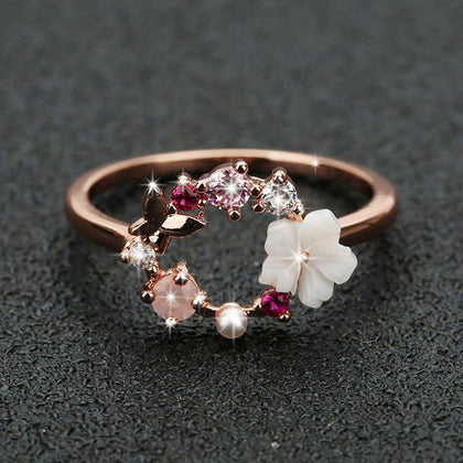 SPARKLERING BUTTERFLY FLOWER CRYSTAL RING