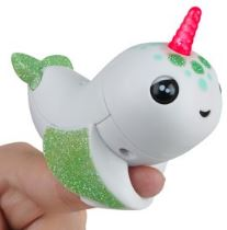 Fingerlings - Raya the Narwhal