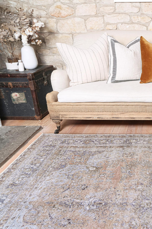 Distressed Vintage Oxus Desert