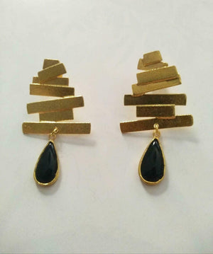 18k Gold on 925 Silver - Geometric, black drop earrings.