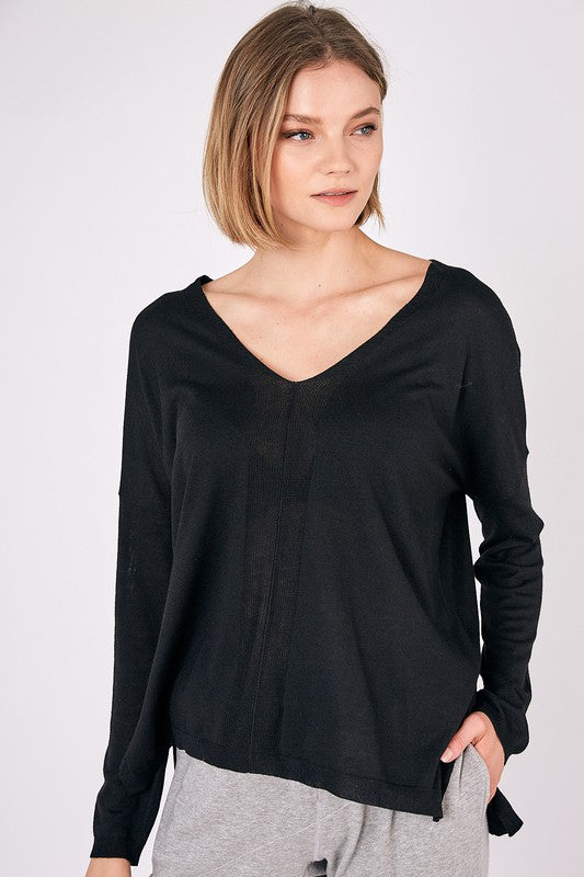 MILA V SWEATER- BLACK