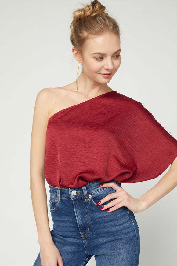 SOLID TEXTURED ONE SHOULDER TOP- burg