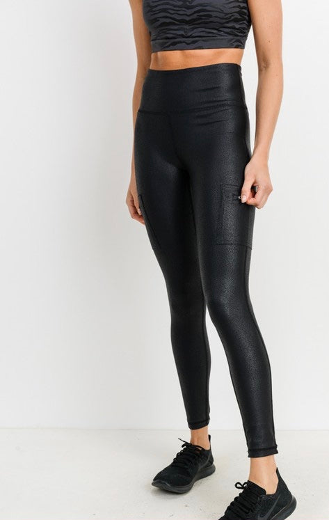 ZIPPERED POCKET LEGGINGS
