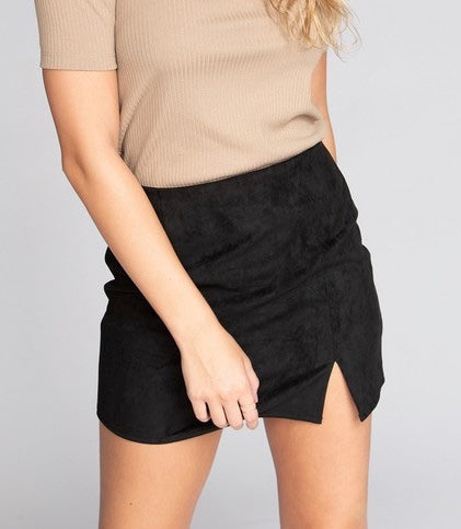 SUEDE SLIT MINI SKIRT- BLACK