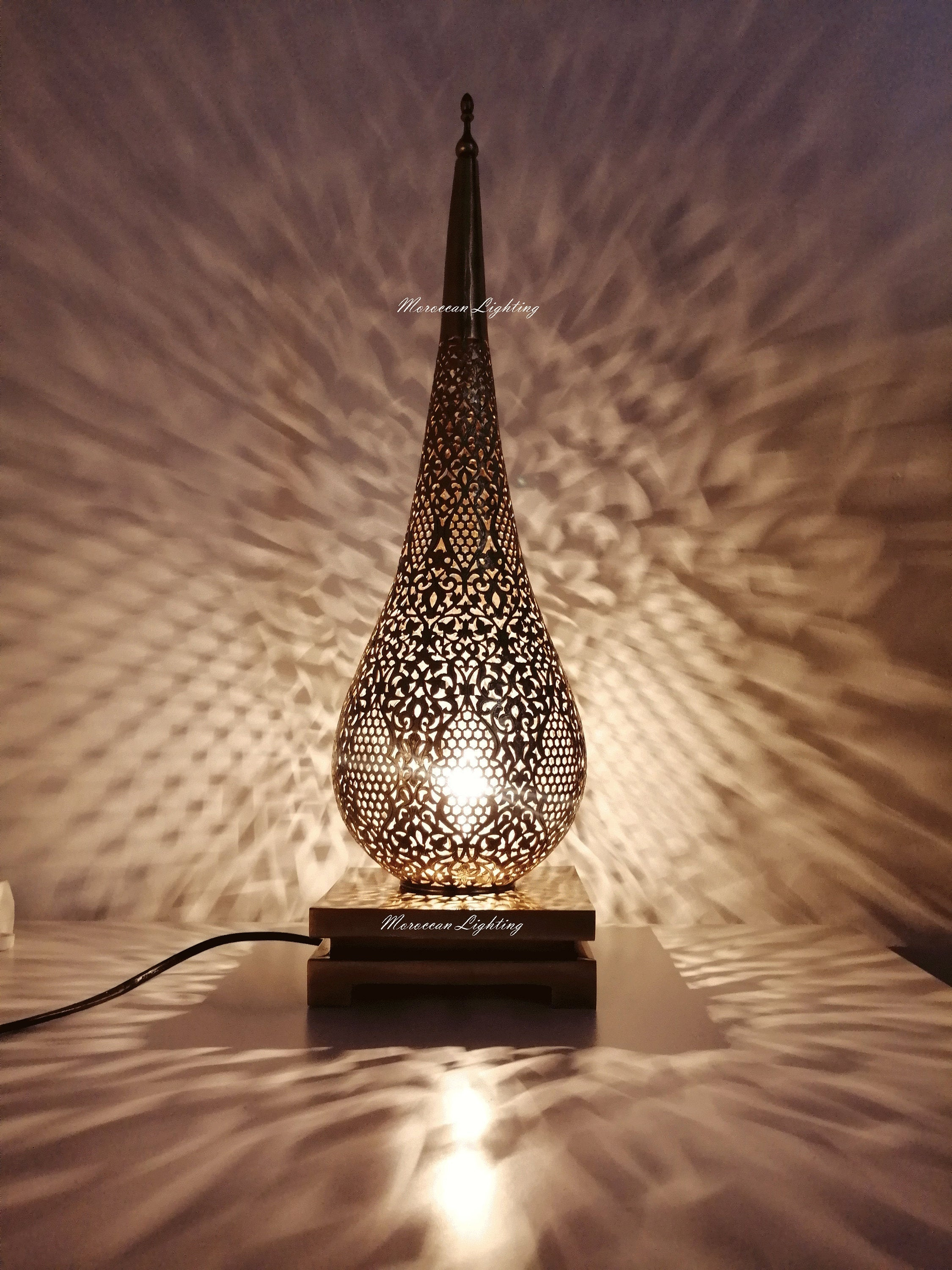 Picture of: Luxurious Table Lamp Moroccan Lighting Moroccan Lighting Shop