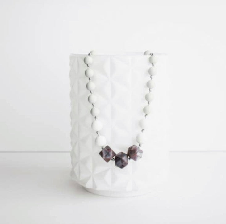 Lacey Teething Necklace- Plum Marble