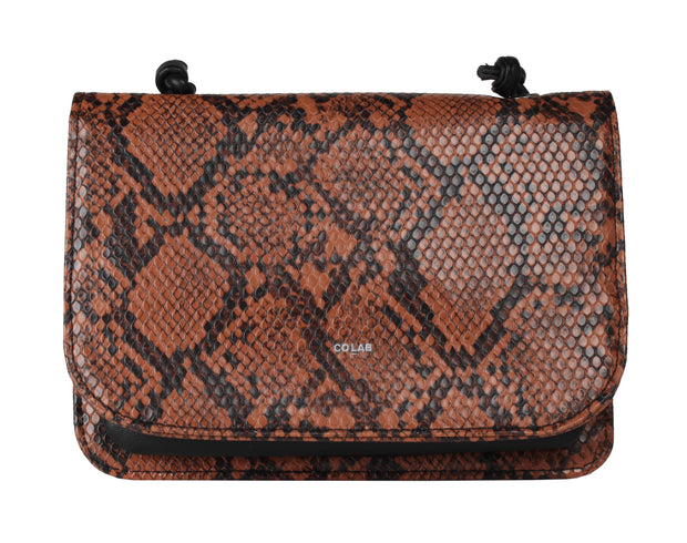 CO LAB 6510 Bring It All Crossbody