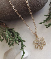 PIKA & BEAR Snowflake Necklace