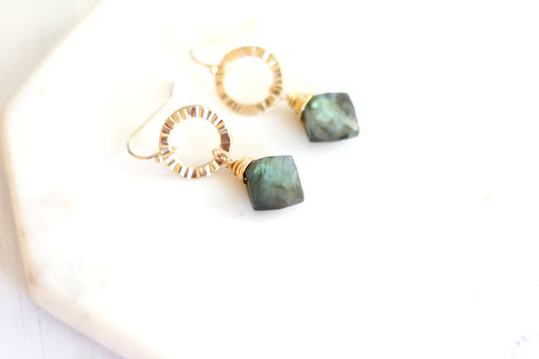 Eterna earrings - Labradorite