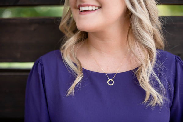 Eterna Gold Circle Necklace