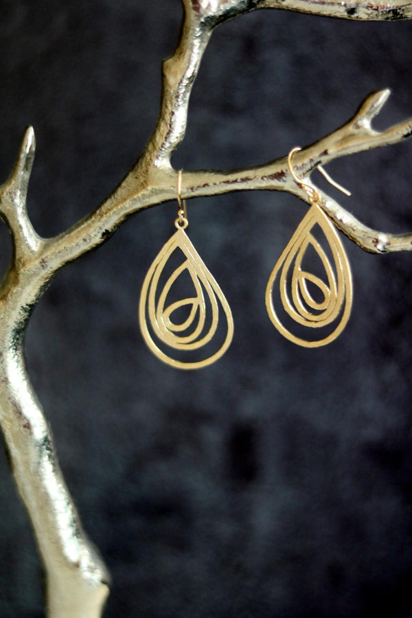 Swirl Teardrop earrings as seen on Firefly Lane Katherine Heigl