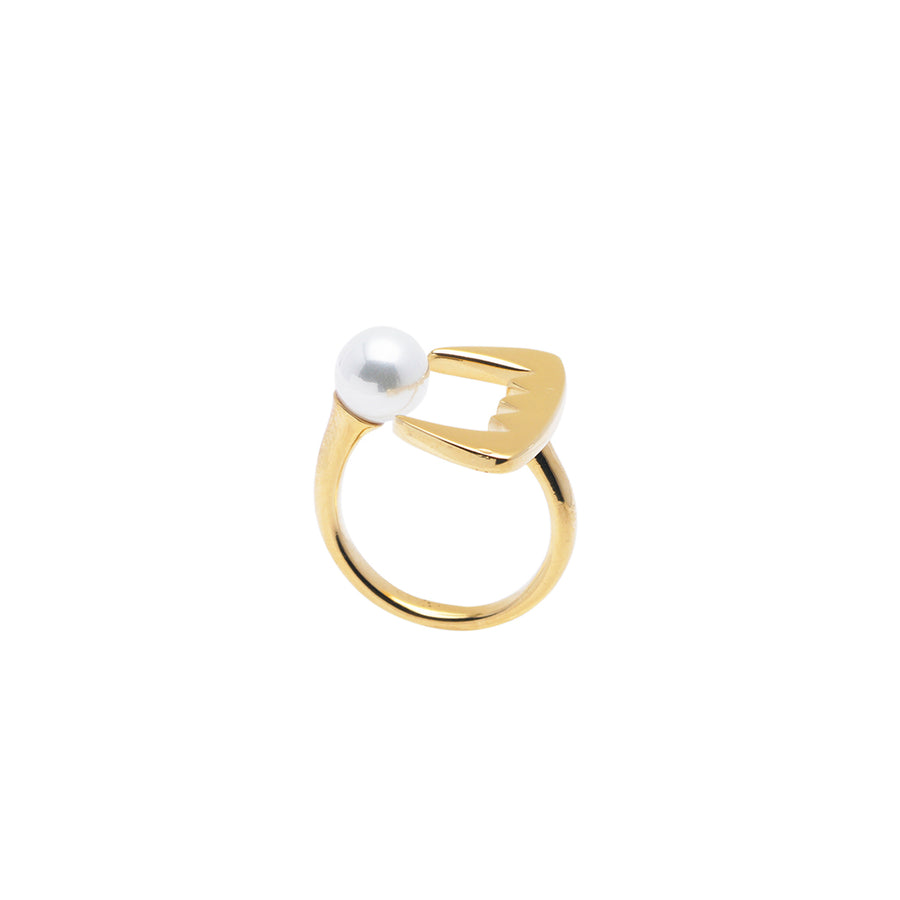 Teeth White Pearl Ring - Carrie K.