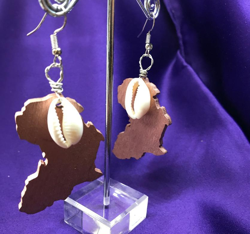 African Map Earrings With Cowrie Shell