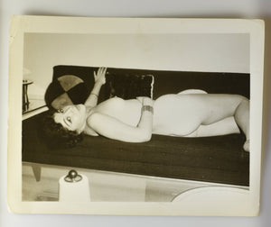 Original Photo Risqué Pinup Vintage Female Nude [RTR−F00208 ]